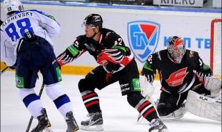 1347719009_b_15-sentjabrja-2012-goda-omsk-reguljarnyj-chempionat-kkhl-avangard-neftekhimik-2-6[1]